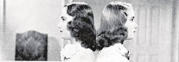 Zwillingsforschung #1: Mädchenbeine, autsch!